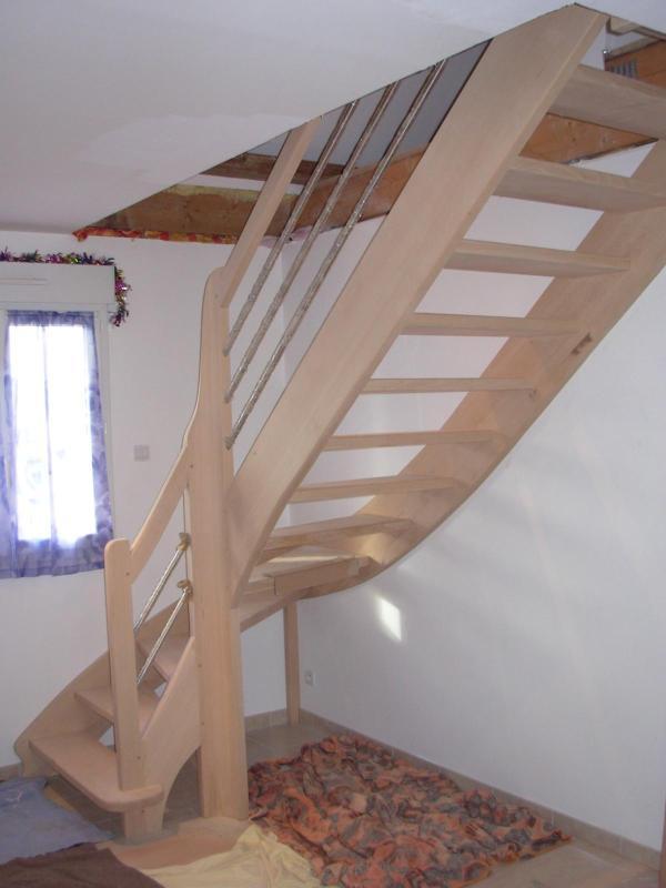escalier en h tre sur noyau lisses inox menuiserie eb nisterie teddy gandolfi. Black Bedroom Furniture Sets. Home Design Ideas